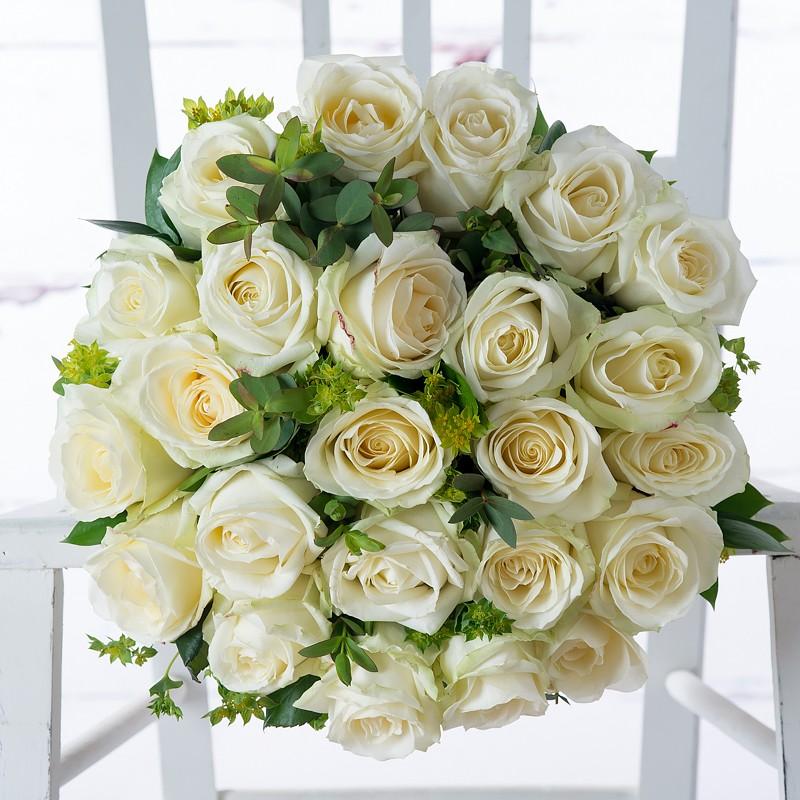 luxury white roses by Appleyard London- valentines flowers