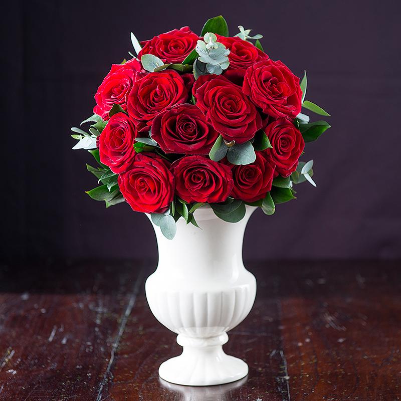 12 Opulent Red Roses Gift Set