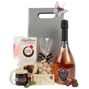 Valentine 39 s day gifts for her appleyard london next for Valentines delivery gifts for her