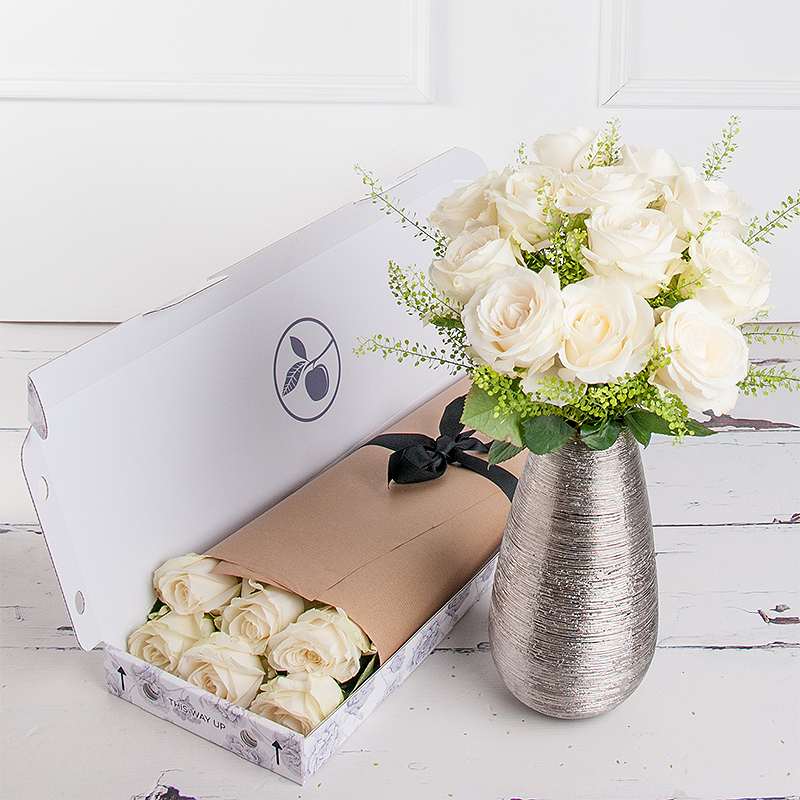 Letterbox Simply White Roses
